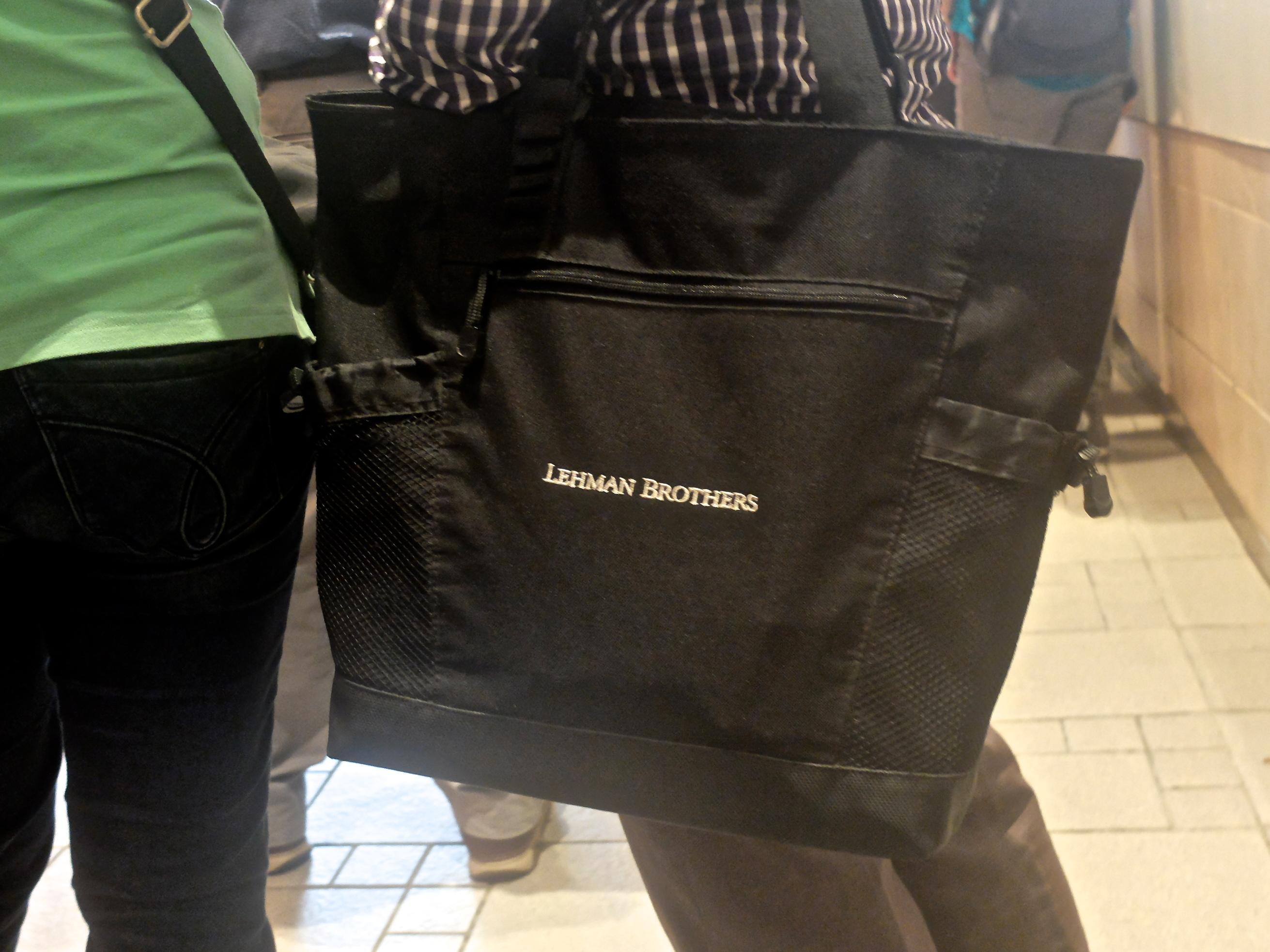 Est-ce que quelqu'un leur a dit pour Lehman Brothers ? Ou pas encore ?